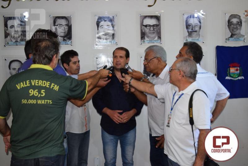 Marcel Micheletto anuncia renúncia do cargo de prefeito de Assis Chateaubriand