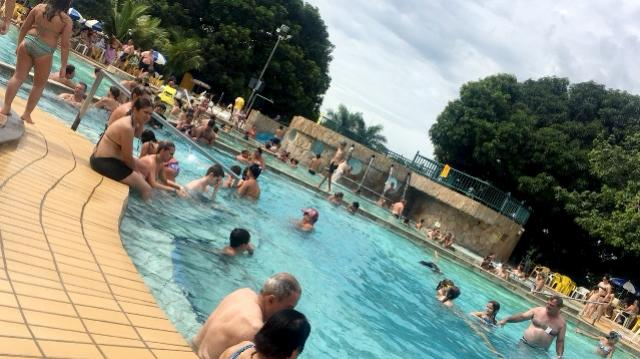 Trabalhadores curtem férias em Caldas Novas - GO