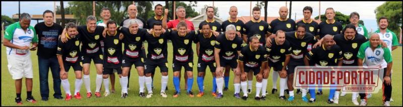 Jogo contra ex-profissionais marcounovo batismo de estádio de Piquirivaí