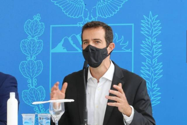 """""""A rede estadual está preparada para a volta das aulas presenciais"""", diz secretário Renato Feder"""