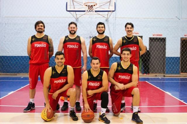 Iniciam as competições de Basquetebol nos JAPS no Ginásio Esportivo K. D. Mezzomo em Coronel Vivida.