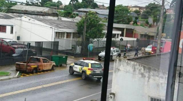 Detentos liberam refém e rebelião termina na Cadeia Pública de Castro
