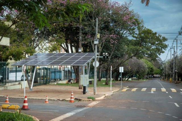 UEM deve economizar R$ 200 mil por ano com usina solar