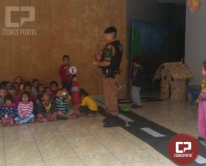 Polícia Militar de Ubiratã realiza palestras educativas em conjunto com escolas do município de Ubiratã