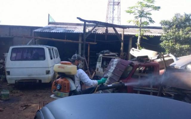 Ubiratã aplica Fumacê afim de combater a dengue e controlar epidemia