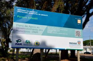 Iniciado a instalação de mais um parquinho infantil na Praça Pio XII