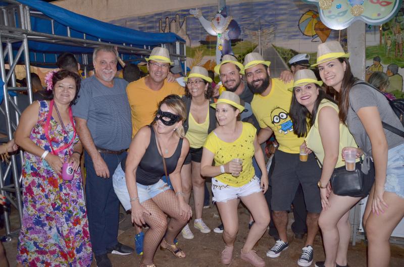 Noite de segunda-feira foi marcada por muita folia e agitação no Carnaval da Seringueira