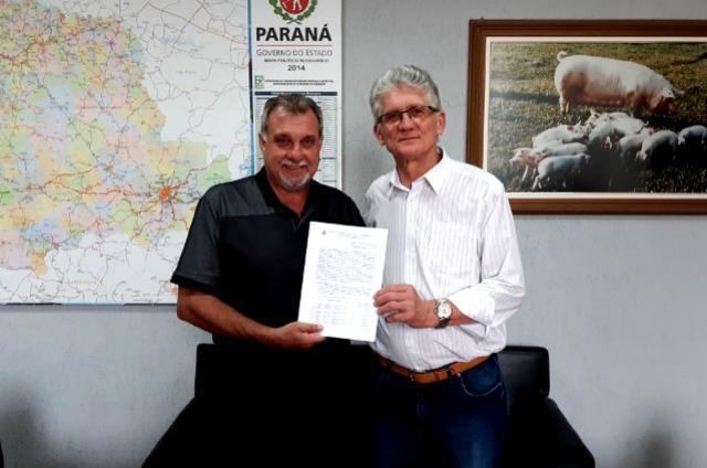 Assinado em Curitiba convênio para pavimentação poliédrica em pontoscríticos de estradas rurais