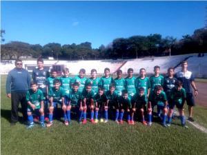 Projeto Escolinha de Futebol formando cidadãos e atletas para o futuro em Ubiratã