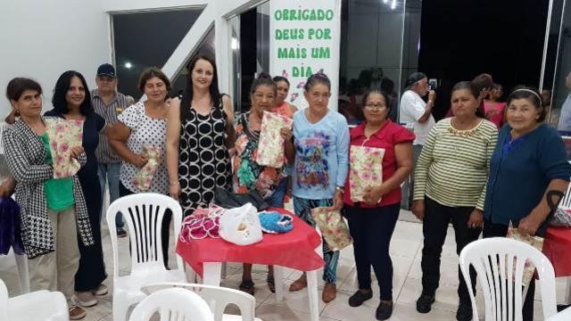 Centro de Convivência para Idosos de Yolanda realiza jantar de confraternização