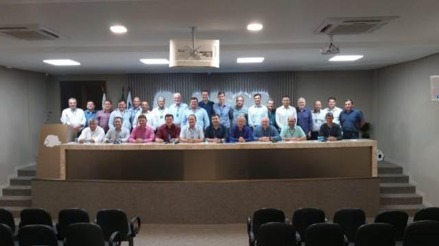 Prefeitos participam da última assembleia de 2019 da Amop em Cascavel
