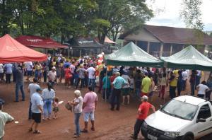 Festa de folia de Reis reuniu milhares de pessoas e quase duas toneladas de carne em Ubiratã