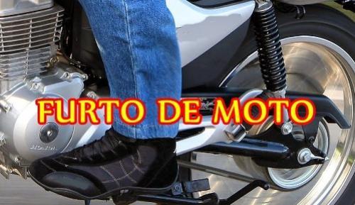 Uma motocicleta foi furtada em frente de canteiro de obras no centro de Ubiratã