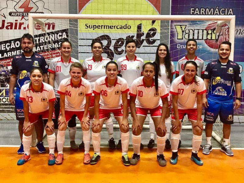 Meninas de Ubiratã vence mais uma pela Copa Amop de Cascavel