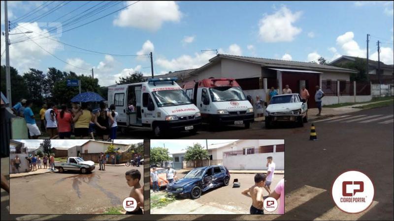 Três pessoas ficam feridas em acidente entre dois veículos em Ubiratã