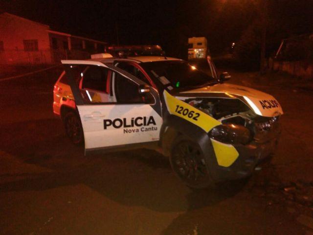 Veículo fura preferencial e atinge viatura da polícia militar de Nova Cantu
