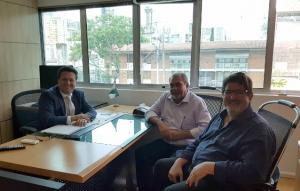 Prefeito Baco de Ubiratã faz primeira visita as Secretarias de Estado do Governo Ratinho Jr