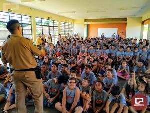 Polícia Militar realiza apresentação musical em alusão ao Dia das Crianças em Ubiratã