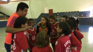 Escolinha de Handebol de Ubiratã faz amistosos em Mariluz