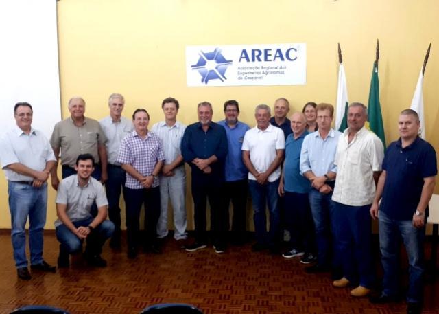 Prefeito Baco ministrou palestra sobre o Programa Campo Fácil para engenheiros agrônomos de Cascavel