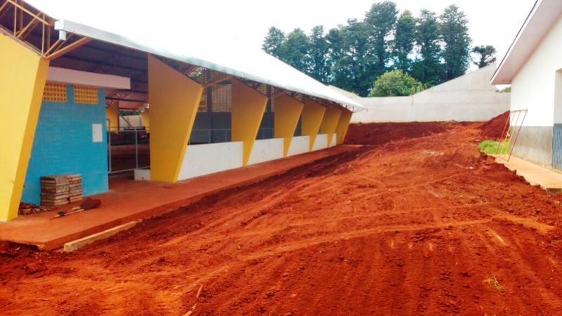 Passarela interligando escola a nova quadra coberta será construída em Ubiratã
