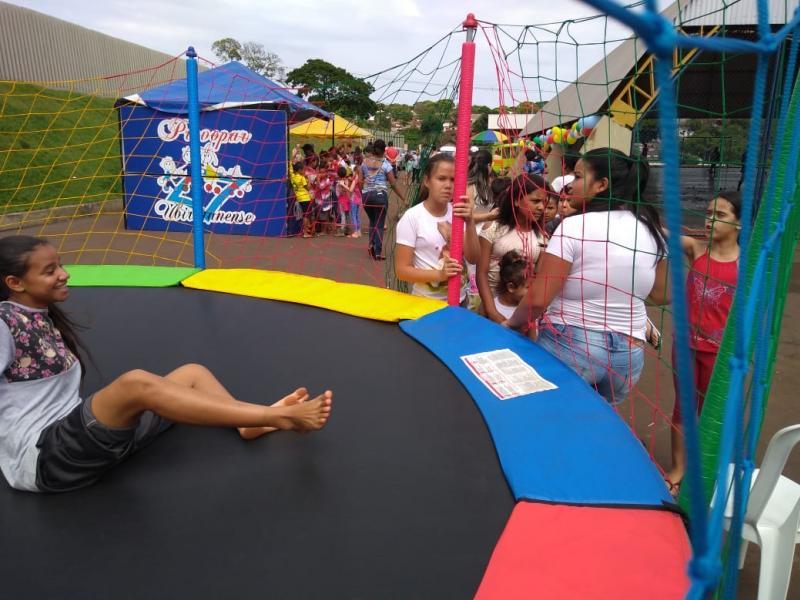 Associação de moradores da Comunidade Vila Recife em Ubiratã realiza festa em homenagem ao dia das crianças