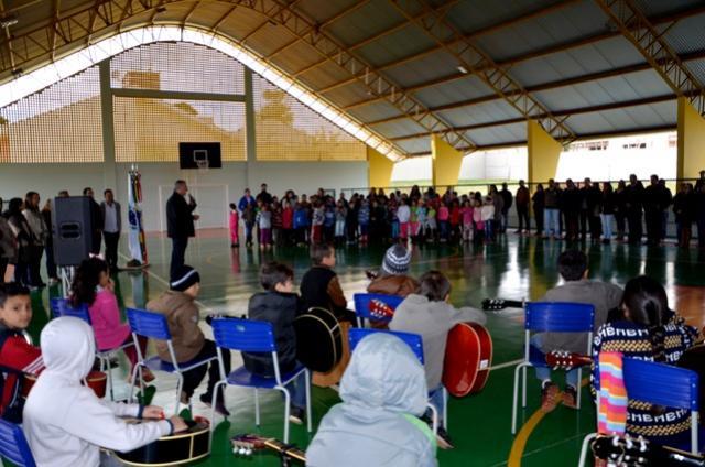 Inaugurada Quadra Poliesportiva Dr. Gentil Toledo de Morais Jr em Ubiratã