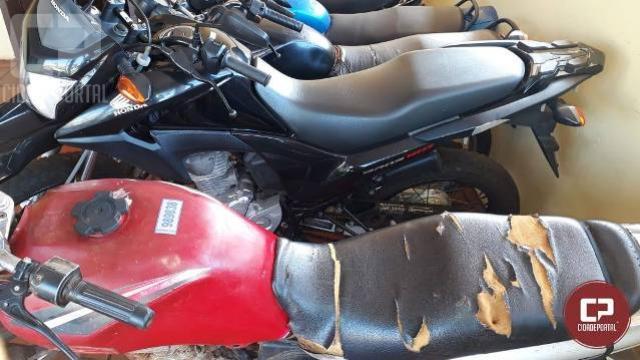 Polícia Militar de Campina da Lagoa apreende uma motocicleta com documentos irregulares