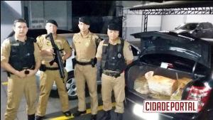 Polícia Militar de Ubiratã prende uma pessoa com 200 KG de maconha, arma e munições durante patrulhamento