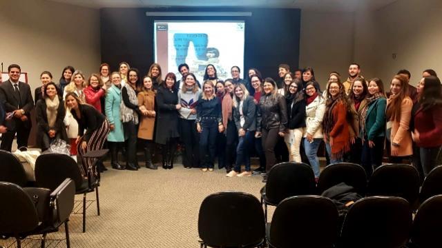 Servidores da Assistência Social participam em Londrina de evento sobre crianças e adolescentes