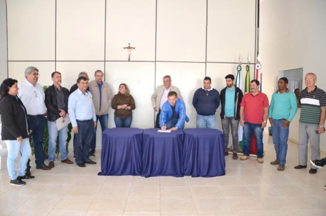 Administração de Ubiratã irá modernizar iluminação da Avenida João Pipino