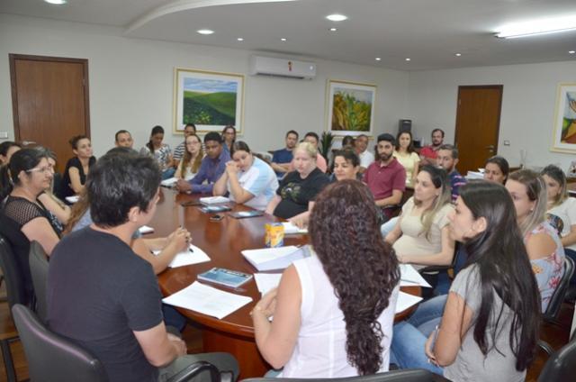 Divisão de Licitação realizou reunião com servidores técnicos do município de Ubiratã
