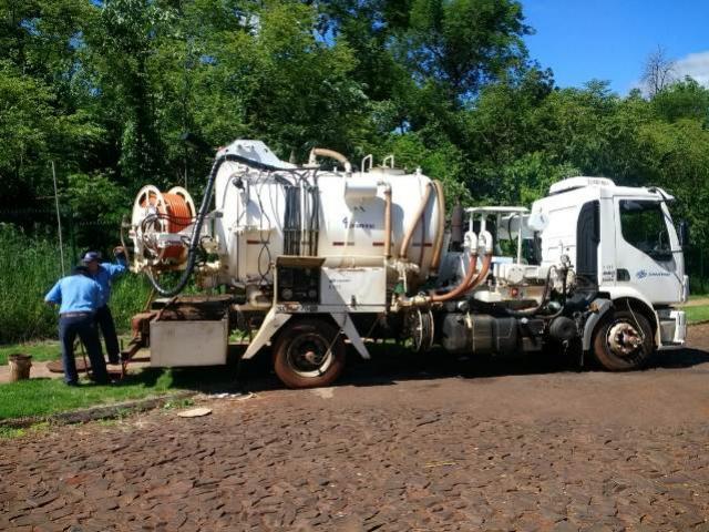 Esforço coletivo garante bom funcionamento do sistema de esgoto em Ubiratã