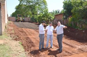 Vice-prefeito Nil Pereira acompanha ações desenvolvidas no Bairro Ativo e conversa com moradores