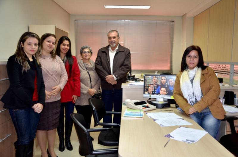 Professoras aprovadas no concurso público de 2014 tomaram posse