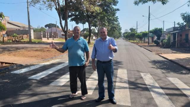 Prefeito de Ubiratã visitou Vila Recife, verificou a nova pavimentação e conversou com moradores