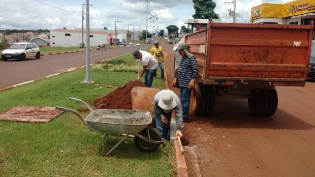 Serviços Urbanos realiza limpeza de bocas-de-lobo em Ubiratã