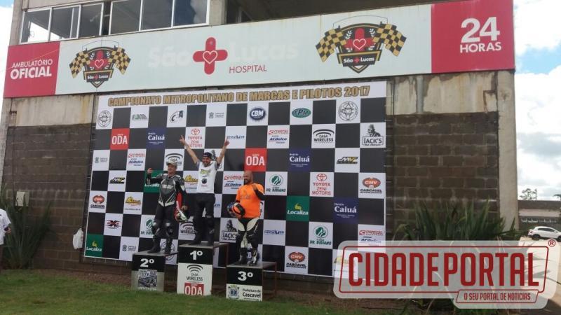 Piloto de moto velocidade de Ubiratã se destaca e conquista 1º lugar do pódio