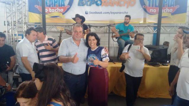 Prefeito Baco prestigia Festa da Tilápia no Tacho em Rancho Alegre D´Oeste