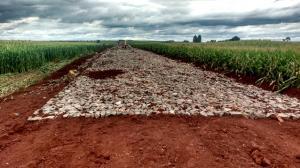 Iniciado os trabalhos de pavimentação poliédrica na Estrada Amazonas do município de Ubiratã
