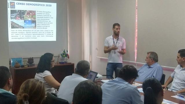 Censo demográfico 2020 foi tema de reunião entre IBGE, autoridades e representantes da sociedade de Ubiratã