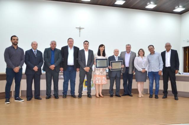 Ex-prefeitos Dr. Arnaldo e Dr. Claudino recebem título de Cidadão Honorário de Ubiratã