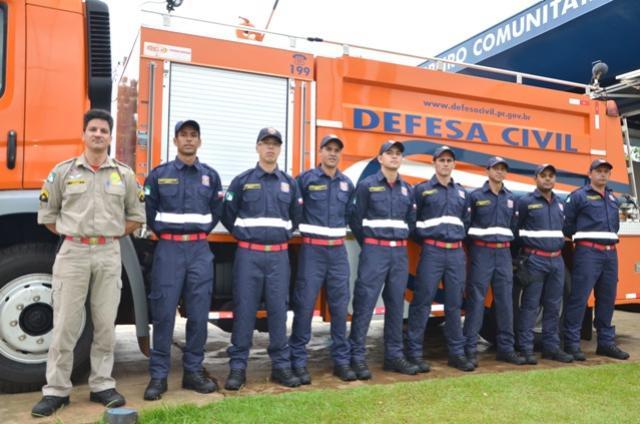 Bombeiros Comunitários de Ubiratã receberam novo fardamento