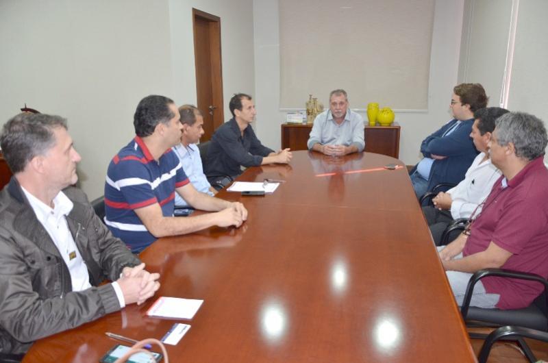 EM UBIRATÃ  Deputado estadual Felipe Francischini visita prefeito Baco