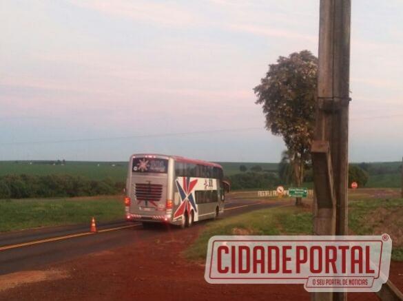 Piratas do Asfalto assaltam ônibus de turismo na manhã desta quarta-feira, 22