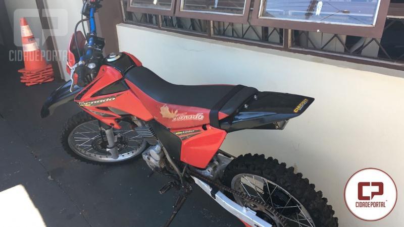 Uma pessoa foi detida por não ser habilitado e estar conduzindo uma moto com sinais de embriaguez