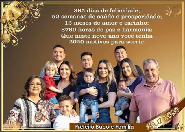 O Prefeito Baco e sua Família deseja a todos um Feliz Natal e um Próspero Ano Novo!