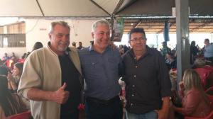 Prefeito Baco e lideranças da região participaram da Festa do Cabrito Apressado em Corumbataí do Sul