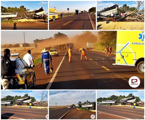 Acidente entre um Bitrem e uma carreta na BR-369 deixa um morto e um ferido nesta segunda-feira, 27