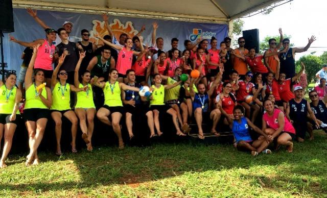 Handebol de Areia de Ubiratã disputou o campeonato Verão Paraná em Foz
